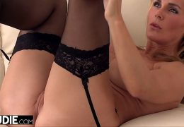 MILF Loves Rubbing Her Pussy Before Getting Fucked 22 min