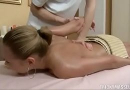 Blonde tricked during massage http://everythingtoxic.blogspot.com