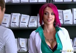Brazzers – Hot inked Doctor Anna Bell loves big cock